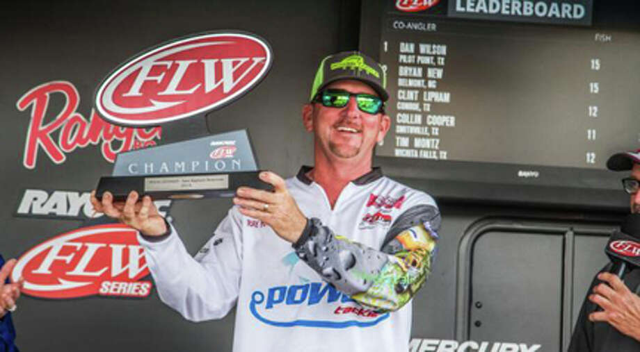 Pro Angler Ray Hanselman with his second win, back to back,with the Rayovac FLW series Texas Division. photo courtesy FLW Outdoors