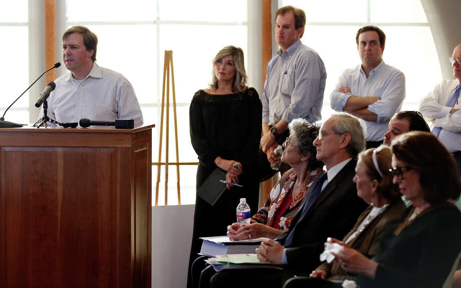 Alamo Heights resident Julian Hall (left) speaks against the proposed apartment building at Broadway and Austin Highway during the Alamo Heights City Council meeting Monday April 13, 2015 at the Alamo Heights City Council Chambers. Photo: Edward A. Ornelas, Staff / San Antonio Express-News / © 2015 San Antonio Express-News