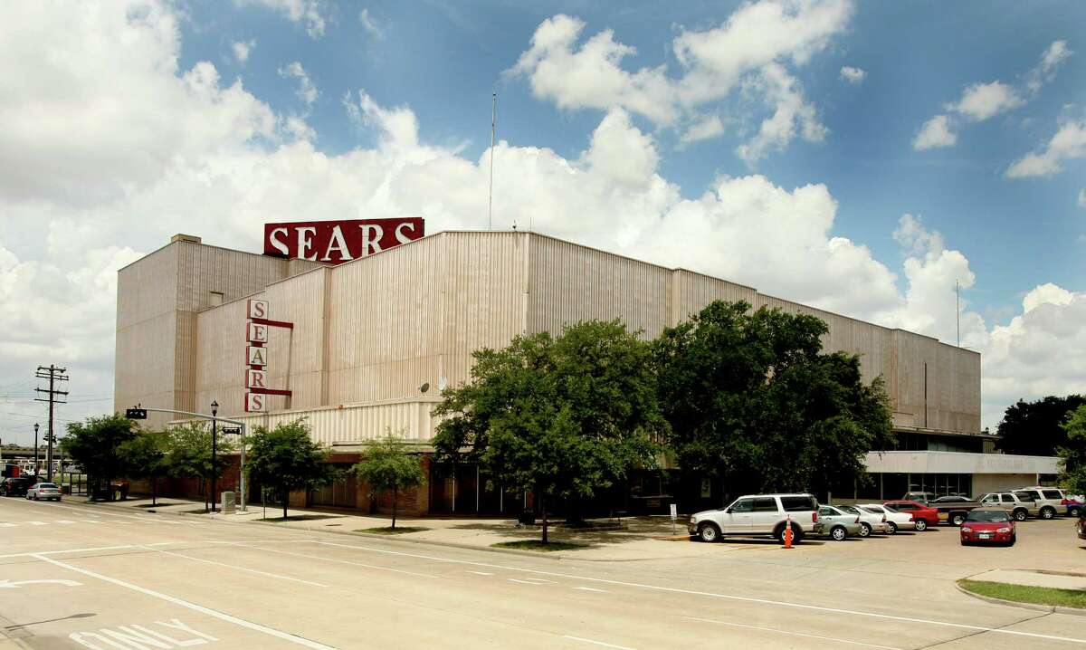 The Sears on South Main as it looks today.