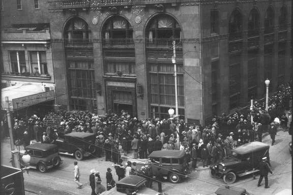 Renters of safety deposit boxes wait in line to gain access to their boxes at City-Central Bank and Trust Co. on Oct. 1, 1931, the first day after depositors were allowed access to their boxes after the bank failed to open on Sept. 28, 1931.