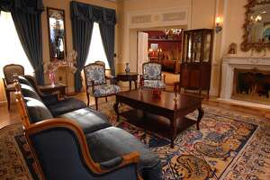 Disney 60th: Spend night in Walt's pad - Photo