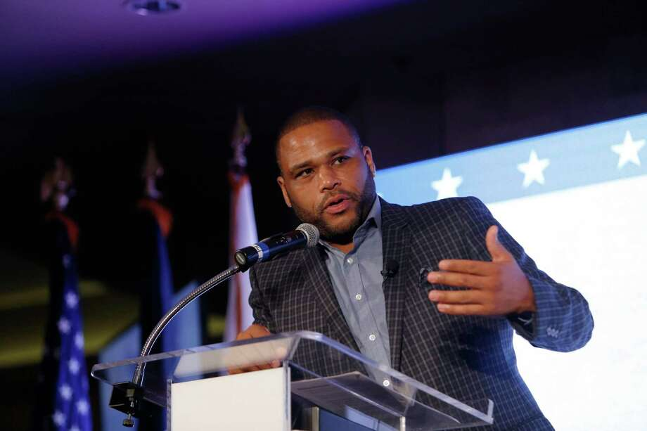 Anthony Anderson speaks at the Johnny Mac Soldiers Fund gala at Hotel ZaZa. Photo: Jon Shapley, Staff / © 2015 Houston Chronicle