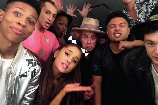 "Justin Bieber and friends lip sync Carly Rae Jepsen's ""I Really Like You"" 