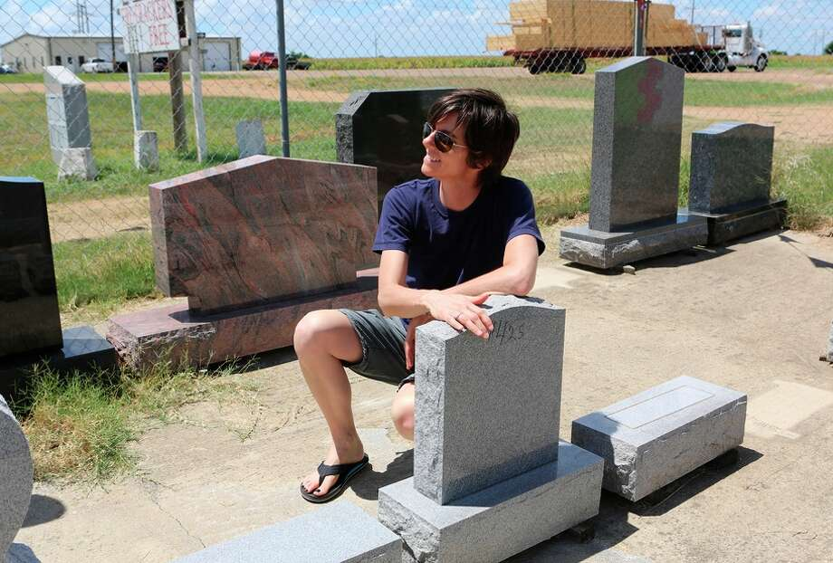 Tig Notaro considers a headstone another comedian has offered to buy her at a monument and fireworks shop. Photo: Chris Wilcha/Showtime / Chris Wilcha / Showtime / ONLINE_YES