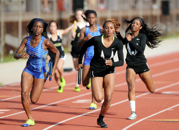 district 11 5a track meet pictures