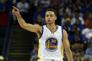 Warriors' Stephen Curry wins MVP award - Photo