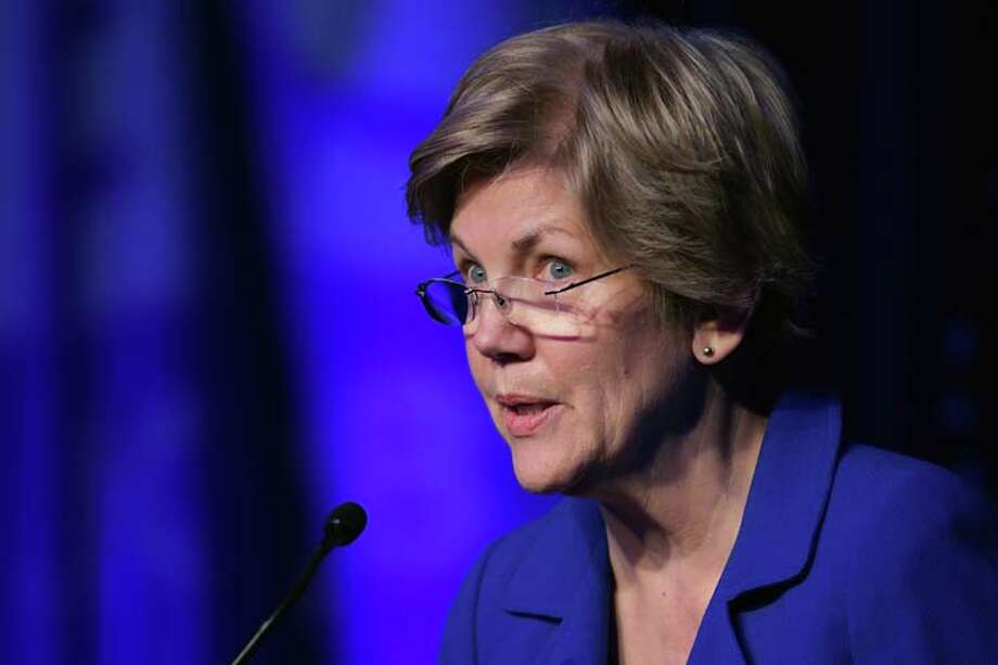 Sen. Elizabeth Warren (D-MA) delivers remarks during the Good Jobs Green Jobs National Conference at the Washington Hilton April 13, 2015 in Washington, DC. Photo: Chip Somodevilla, Getty Images / 2015 Getty Images