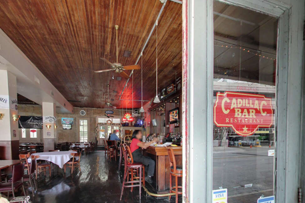 Original Cadillac Bar Restaurant: 212 S. Flores St. Date: 04/09/2019 Score: 77 Highlights: