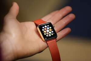 Apple Watches sold only online for now - Photo