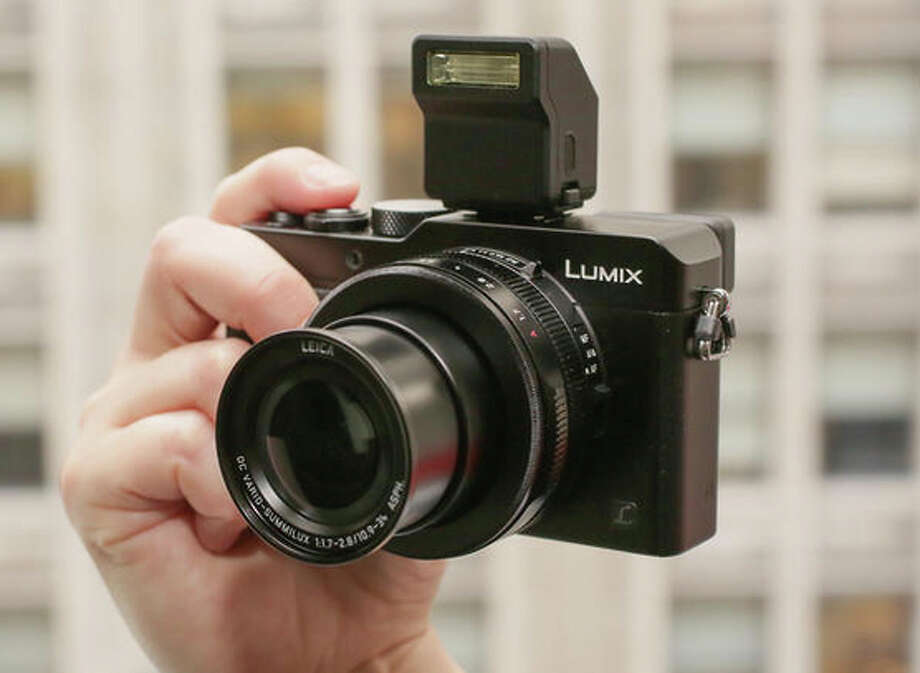Panasonic Lumix DMC-LX100 Photo: Cnet / ONLINE_YES