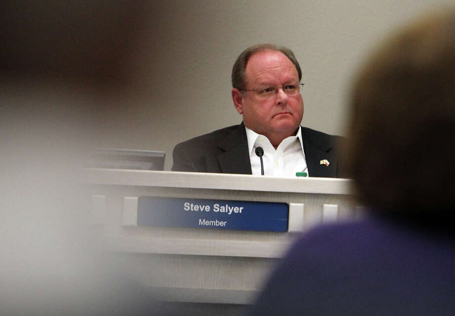 Judson Independent School District board president Steve Salyer merits re-election. His experience will come in handy if the district seeks another bond issue. Photo: Kin Man Hui /SAN ANTONIO EXPRESS-NEWS / San Antonio Express-News