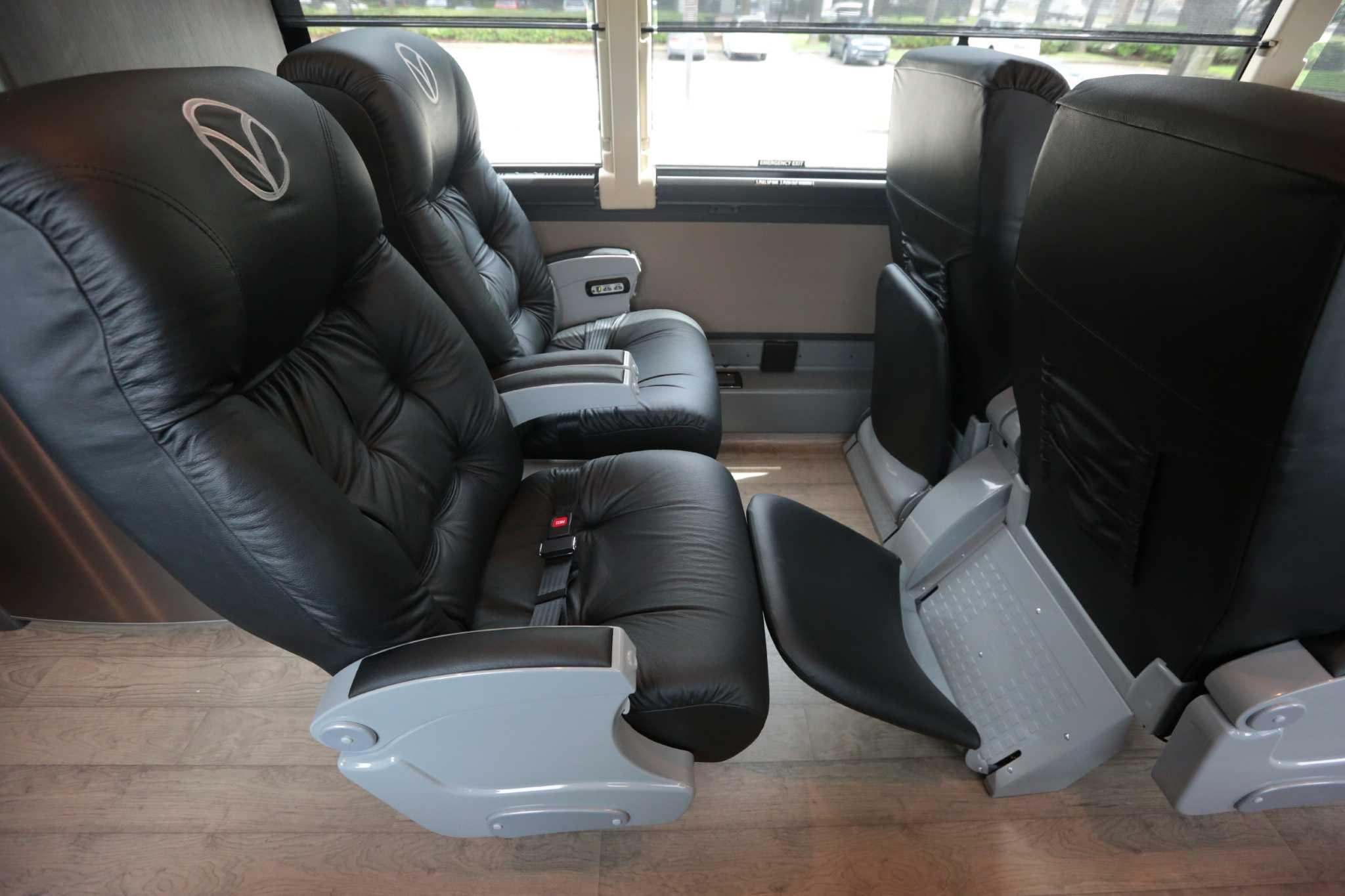 Luxury Bus Service Aims To Meet Growing Houston Dallas Travel Demand Houstonchronicle Com
