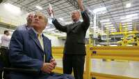 Abbott tours Amazon center in Schertz - Photo