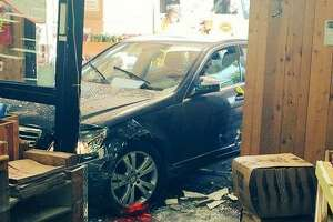 6 injured as driver smashes Trader Joe's in Los Altos - Photo