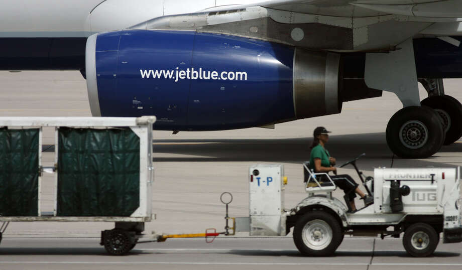 e4ddd0a00874 JetBlue is raising fees on baggage and ticket changes - The Register ...