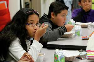 Schools, parents at odds over breakfast in class - Photo