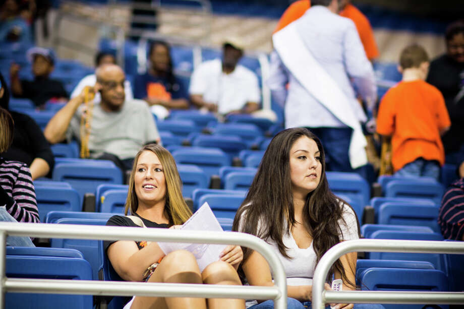 Roadrunner fans get a preview of the upcoming UTSA football squad during the Football Fiesta Spring Game. Photo: By Chavis Barron/IJM HD Productions, For MySA.com