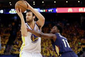 Healthy Bogut provides critical presence for Warriors - Photo
