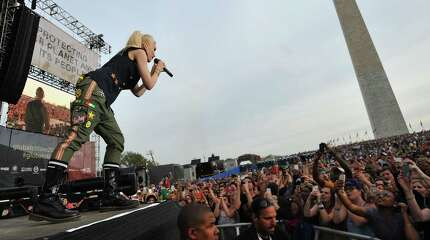 WASHINGTON, DC - APRIL 18:  Singer-songwriter Gwen Stefani of No Doubt performs onstage during Global Citizen 2015 Earth Day on National Mall to end extreme poverty and solve climate change on April 18, 2015 in Washington, DC.