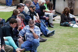 Solemn event marks Oklahoma City bombing of 20 years ago - Photo