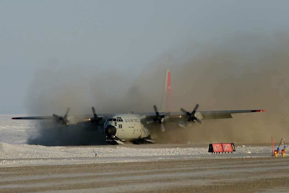 The 109th Airlift wing ski-equipped LC-130 aircraft lands at the Resolute Bay Airport, Nunavut as part of Operation NUNALIVUT 2014. Credit: Master Corporal (MCpl) Chelsey Hutson, Canadian Forces Joint Imagery Center, Ottawa ON. Photo: Mater Corporal Chelsey Hutson / © 2014 DND-MDN Canada