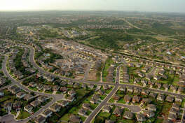 Aerial photographs of San Antonio, Texas, on July 11, 2006 This is housing in North San Antonio, around Stone Oak, 281 at Evans Road area. BILLY CALZADA / STAFF