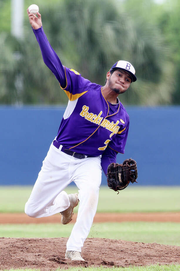 Brackenridge's Robert Rangel throws to the plate during the first inning of their District 28-5A game with Burbank at SAISD Field #1 on Saturday, April 18, 2015.  Burbank wrapped up a playoff spot with four games to play with a 5-1 victory over the Eagles.  MARVIN PFEIFFER/ mpfeiffer@express-news.net Photo: Marvin Pfeiffer, Staff / San Antonio Express-News / Express-News 2015