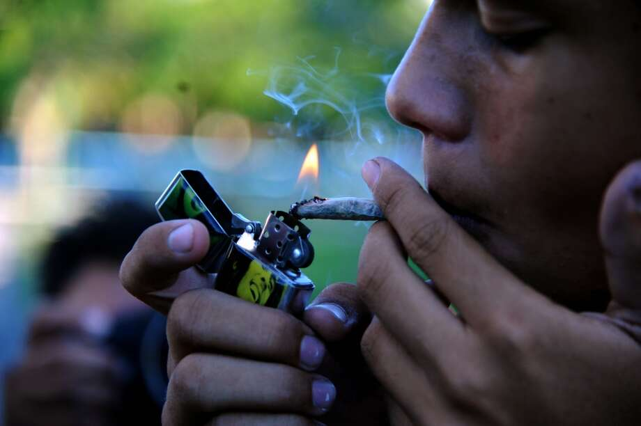 "Are you paying too much for your marijuana? PriceofWeed.com has compiled data from anonymous users on the street value of high-quality ""weed"" across the U.S. Keep clicking to see how much pot costs in your state.Source: Price of Weed Photo: NORBERTO DUARTE, AFP/Getty Images"