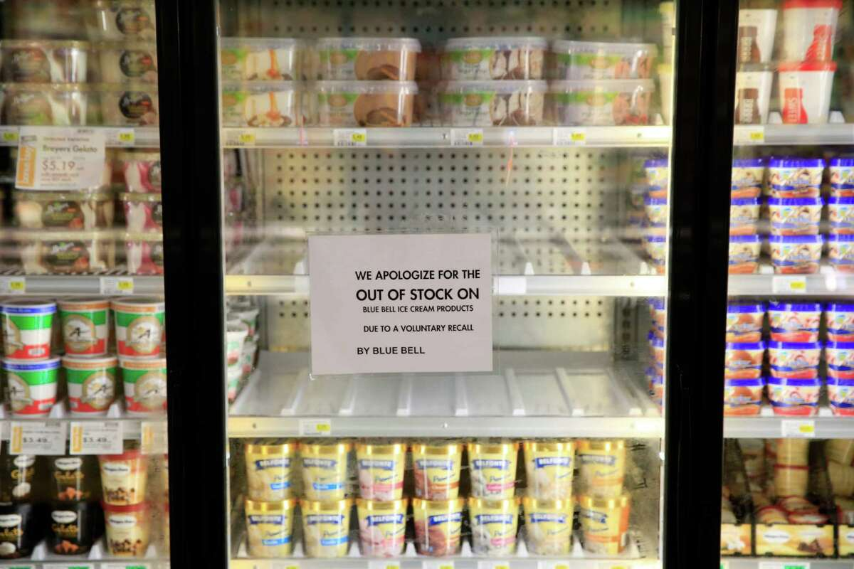 Timeline: The Blue Bell listeria outbreak The year 2015 started out strong for the beloved Texas ice cream chain. This year the store announced plans to move into Nevada - its 23rd state - due to popular demand and opened its fifth Houston-area distribution center. But the Brenham, Texas-based ice cream maker has now recalled all products after the brand was tied to a listeria outbreak that killed three in Kansas. Click through to see the timeline of the Blue Bell recall.