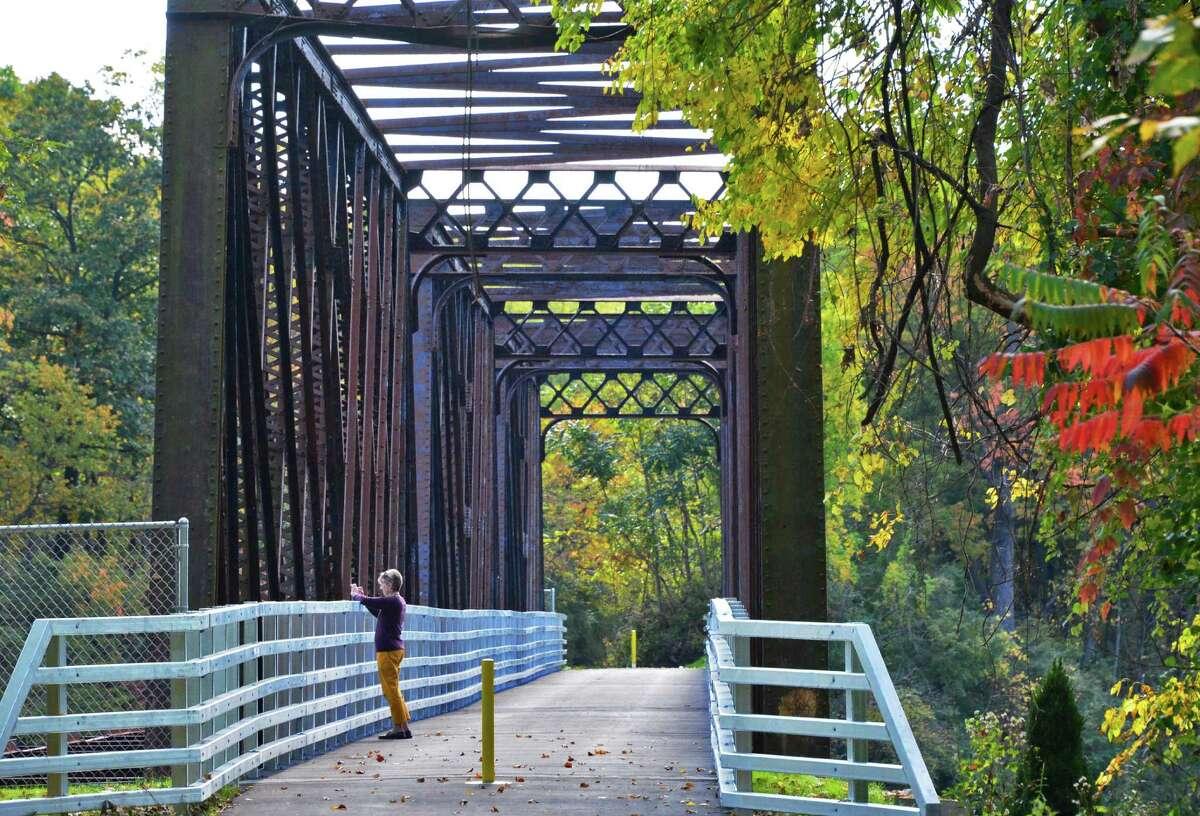 Albany County Helderberg Hudson Rail Trail - mohawkhudson.org/our-preserves/helderberg-hudson-rail-trail