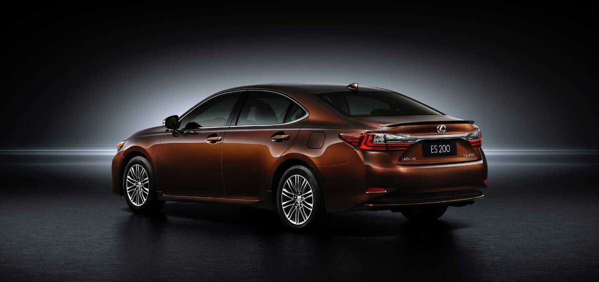 Lexus unveiled the exciting new 2016 ES at the Shanghai International Motor Show today, alongside the RX 200t luxury utility vehicle which is also making its world premiere. The 2016 ES features an exciting, sportier attitude, highlighted by elegant yet progressive exterior styling, an enhanced luxurious interior and the new safety system, Lexus Safety System+.