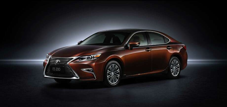 Lexus unveiled the exciting new 2016 ES at the Shanghai International Motor Show today, alongside the RX 200t luxury utility vehicle which is also making its world premiere. The 2016 ES features an exciting, sportier attitude, highlighted by elegant yet progressive exterior styling, an enhanced luxurious interior and the new safety system, Lexus Safety System+. Photo: Lexus USA Newsroom