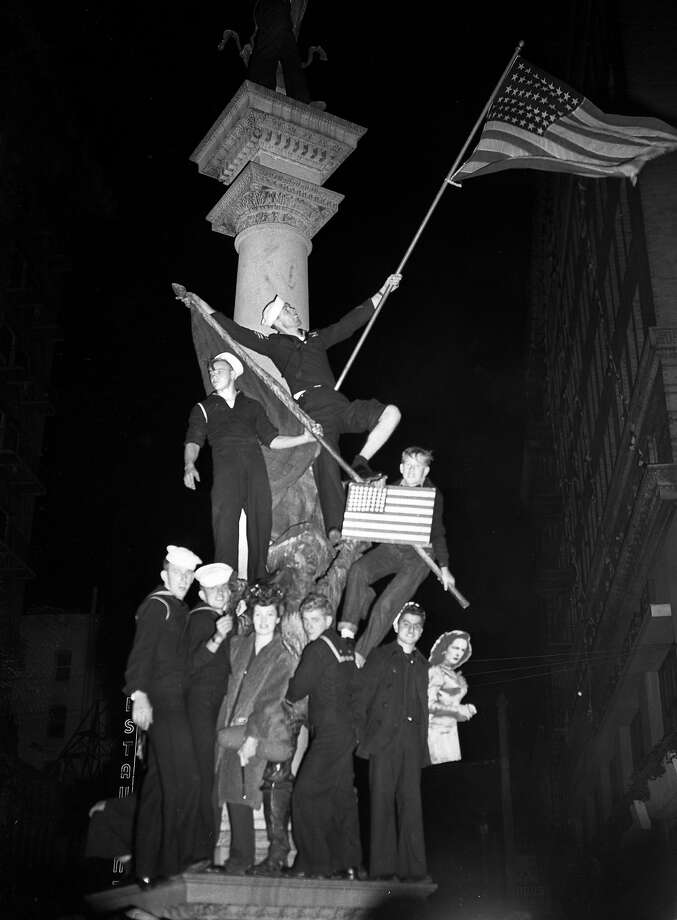 V-J Day celebration in San Francisco ..August 14-15 1945 End of World War II, Japan surrenders Photo: George De Carvalho, The Chronicle