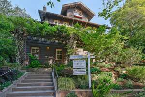 Piedmont Craftsman scatters luxury, detail on all 4 levels - Photo