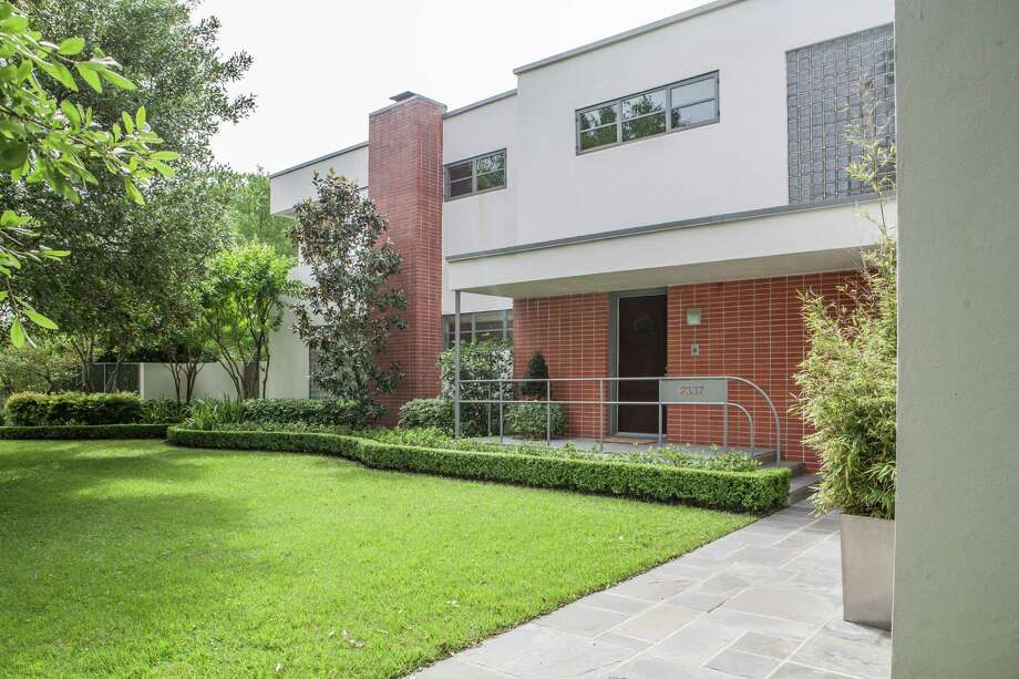 The L.D. Allen home on Blue Bonnet Boulevard, an art deco home finished in 1937, is part of this year's Preservation Houston Good Brick tour. Photo: Michael Starghill, Jr., Photographer / © 2015 Michael Starghill, Jr.