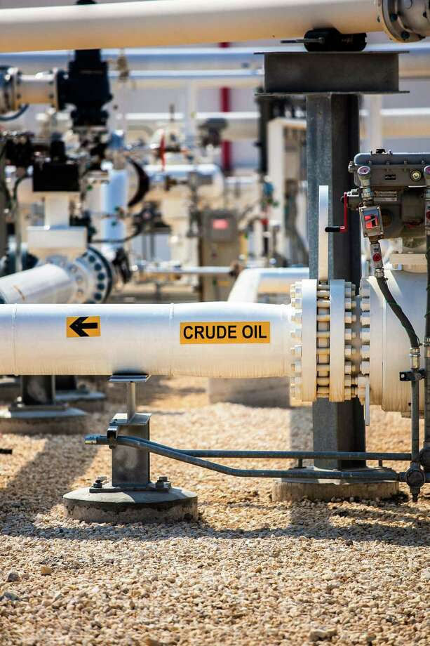 A transfer line moves crude oil within NuStar's Oakville terminal in the Eagle Ford Shale. A record amount of Eagle Ford crude handled by its pipeline system helped boost the company's net income in the first quarter. Photo: Courtesy Photo