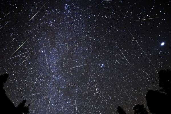 Orionids: The late October meteors, Orionids have a broad and unpredictable peak. They normally fast-moving and leave persistent trails on occasion.