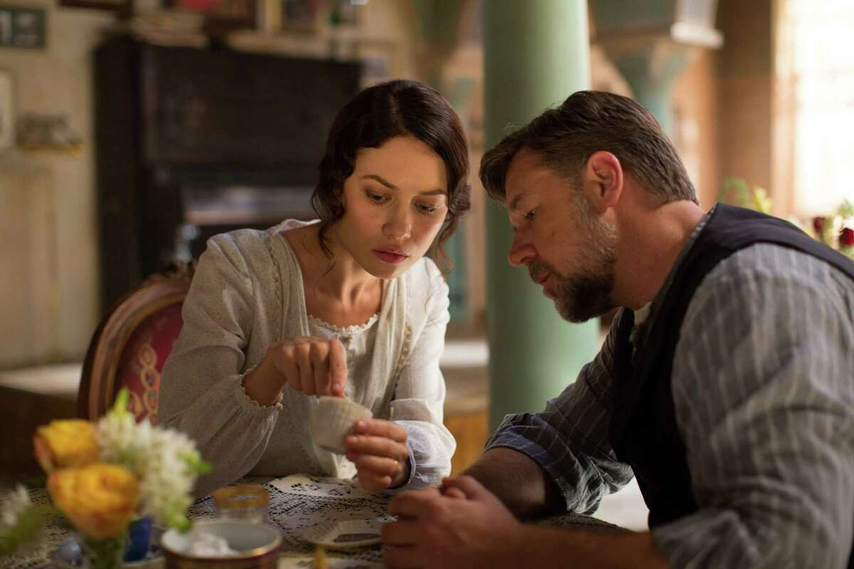 """Olga Kurylenko as Ayshe and Russell Crowe as Joshua Connor in """"The Water Diviner."""" (Photo courtesy Warner Bros. Pictures/TNS)"""