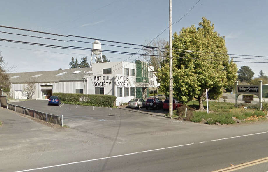 The shoot out with the driver and police took place in the parking lot of the Antique Society at 2661 Old Gravenstein Highway in Sebastopol. Photo: Google Maps
