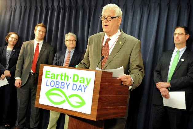 Assemblyman Steve Englebright, center, speaks during an Earth Day news conference on Wednesday, April 22, 2015, at the Capitol in Albany, N.Y.  Joining him, from left, are Jessica Ottney Mahar of The Nature Conservancy, Jessica Ottney Mahar of The Nature Conservancy, Michael Hansen of ConsumersUnion and Peter Iwanowicz of Environmental Advocates. (Cindy Schultz / Times Union) Photo: Cindy Schultz, Albany Times Union / 00031563A