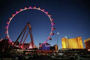 Couple accused of 'sex acts' on Vegas Ferris wheel - Photo