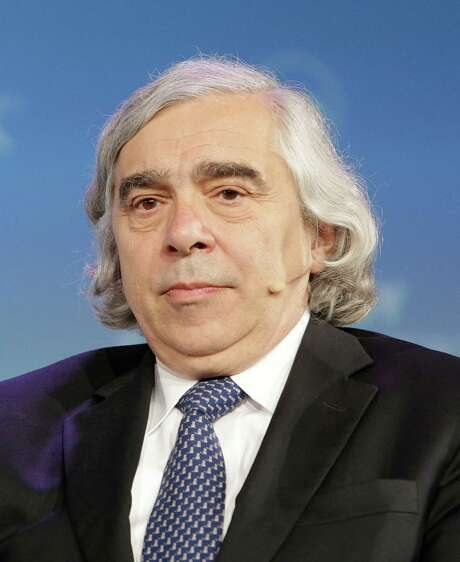 """In a situation where we still import 7 million barrels of crude oil per day, I don't think an overly compelling argument has been made on the basis of pragmatic economics,"" says Energy Secretary Ernest Moniz. Photo: Billy Smith II /Houston Chronicle / Houston Chronicle"