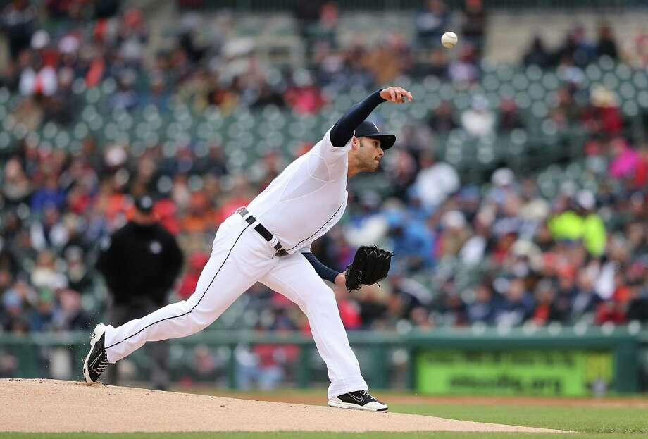 DETROIT, MI - APRIL 23: Anibal Sanchez #19 of the Detroit Tigers pitches during the first inning of the game against the New York Yankees on April 23, 2015 at Comerica Park in Detroit, Michigan. (Photo by Leon Halip/Getty Images) ORG XMIT: 538577919 Photo: Leon Halip / 2015 Getty Images