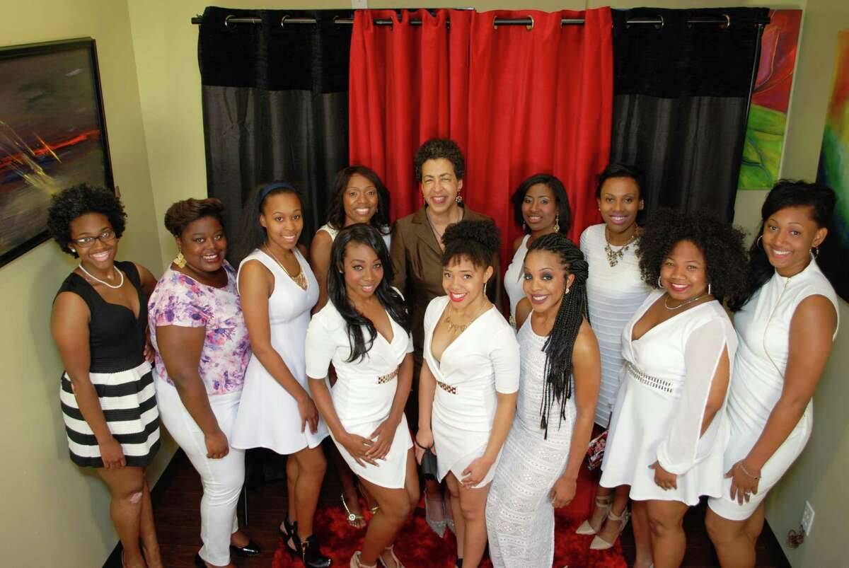 Sister 2 Sistah mentees pictured with Dr. Docia Rudley, first lady of Texas Southern University