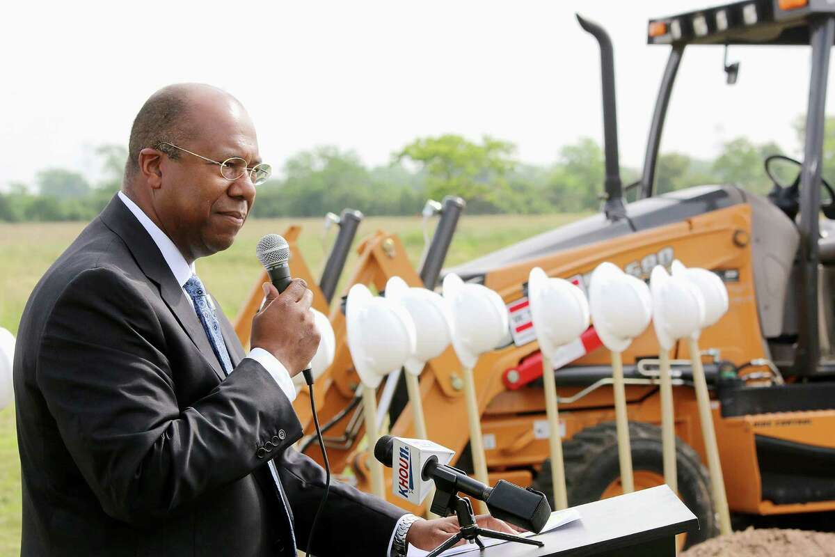 Katy ISD Superintendent Alton Frailey speaks during the groundbreaking ceremony for Junior High No. 15 at Grand Ventana Dr. Photo by Pin Lim.