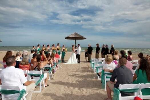 Best wedding venues around texas houston chronicle for Texas beach wedding packages