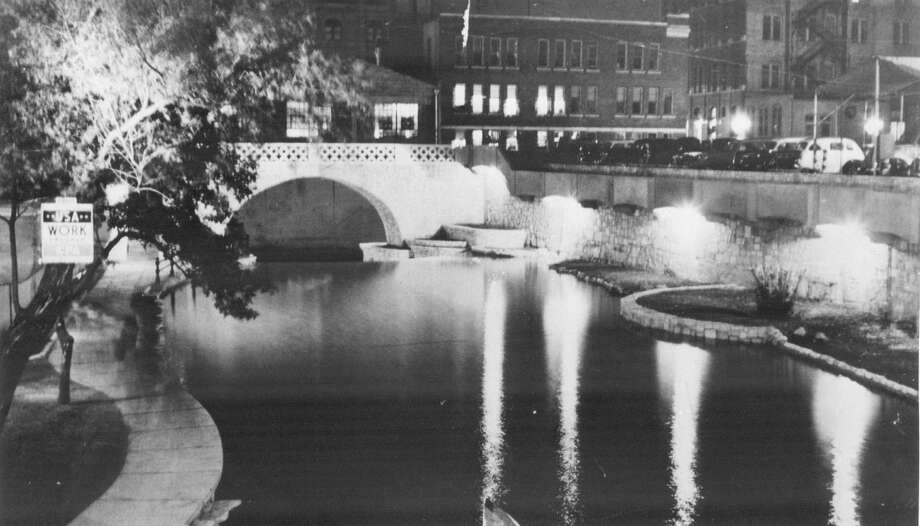The River Walk is shown in this circa 1940 photo. Photo: San Antonio Express-News / File Photo / San Antonio Express-News
