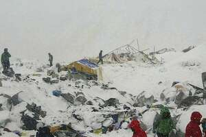 Google executive dies in Everest avalanche triggered by Nepal quake - Photo