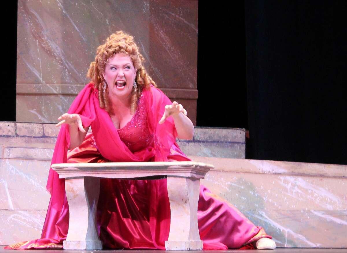 Jennifer Ashworth in Gilbert and Sullivan's