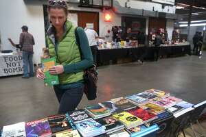 Anarchists turn to capitalism at Oakland book fair - Photo